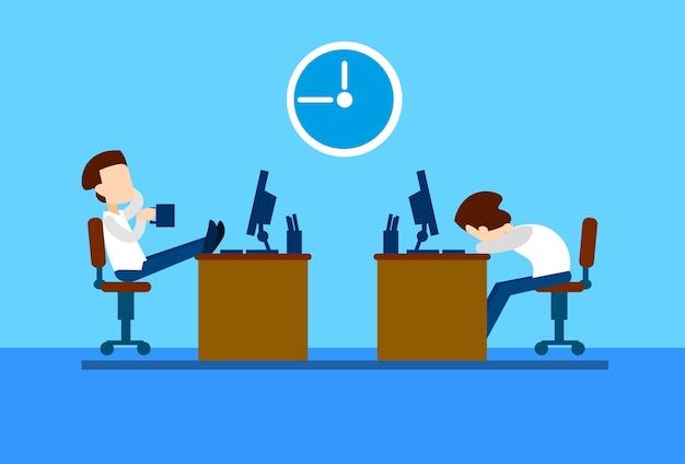 Employé de bureau business man se repose sur la pause