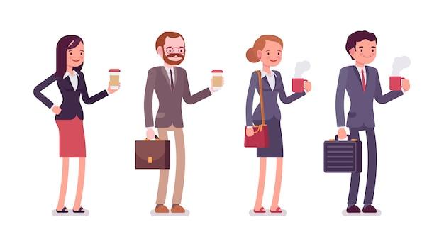 Employés de bureau avec café