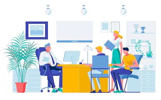 Employés communiquant les résultats du projet au chef du patron