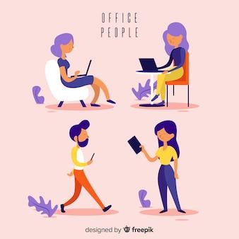 Employés de bureau professionnels au design plat