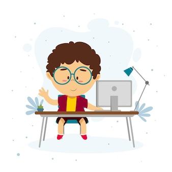 Enfant apprenant à travers des leçons en ligne