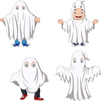 Enfant de la bande dessinée avec la collection de costumes de fantôme