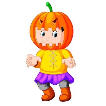 Enfant heureux, porter, costume épouvantail