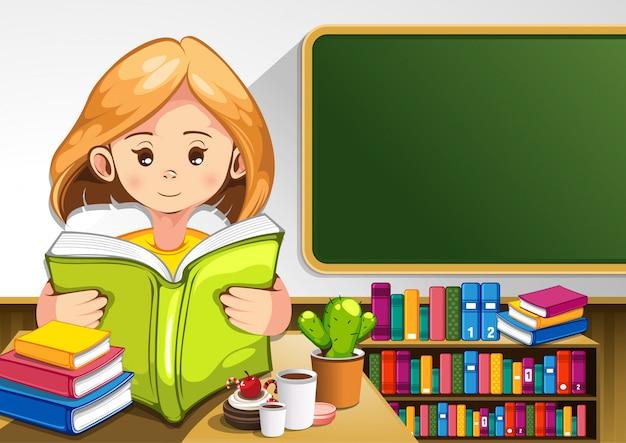 Enfant qui lit des livres