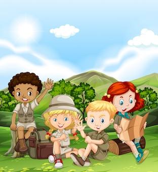 Enfants campant pendant la journée