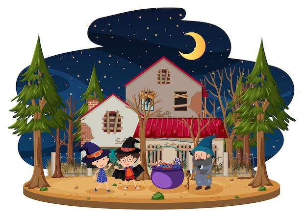 Les enfants célèbrent halloween devant la vieille maison