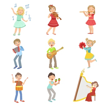 Enfants chantant et jouant des instruments de musique