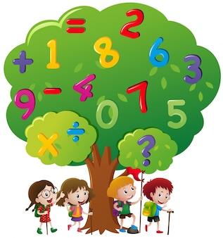 Les enfants et les chiffres sur l'arbre