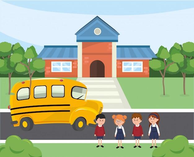 Enfants étudiants à l'école et transport en bus