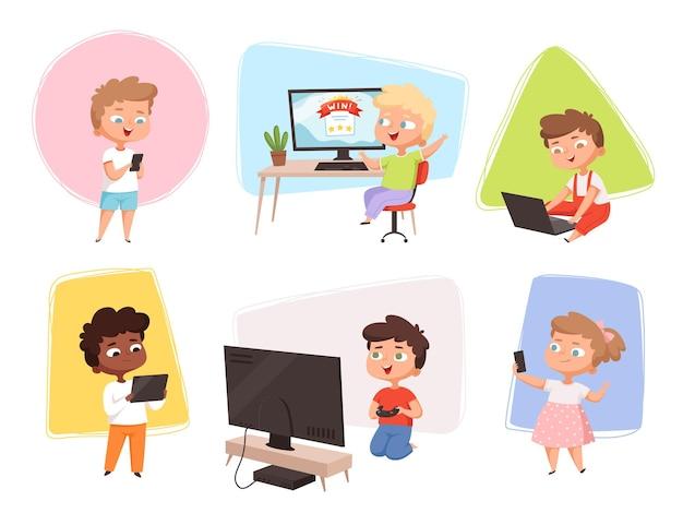 Les enfants avec des gadgets.