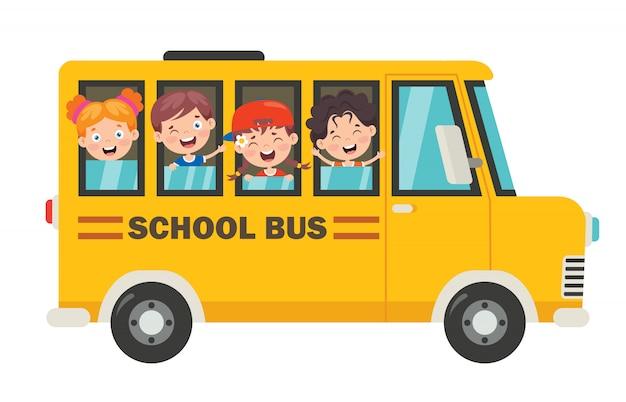 Enfants heureux et autobus scolaire
