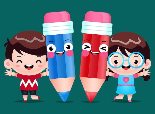 Enfants heureux et crayons