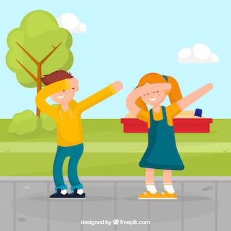 Enfants heureux faisant tamponner