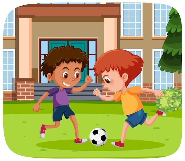 Enfants heureux jouant en plein air