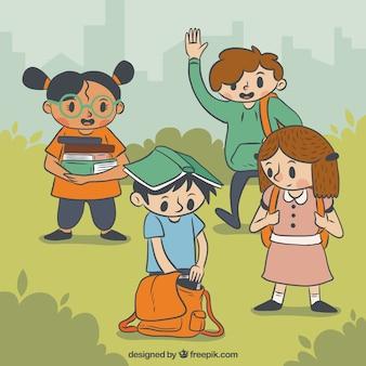 Enfants heureux retour à l'école