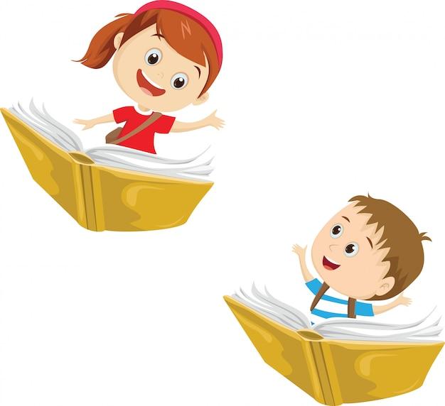 Enfants heureux voler sur un livre