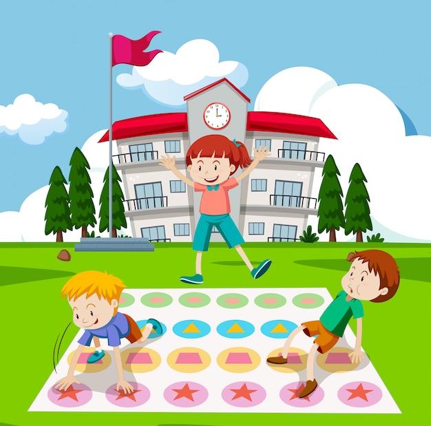 Enfants jouant au jeu de twister