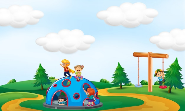 Enfants jouant au parc