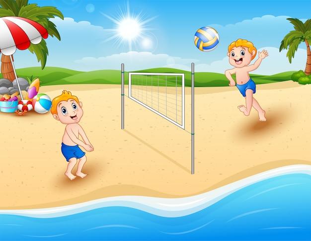 Enfants jouant au volleyball à la plage