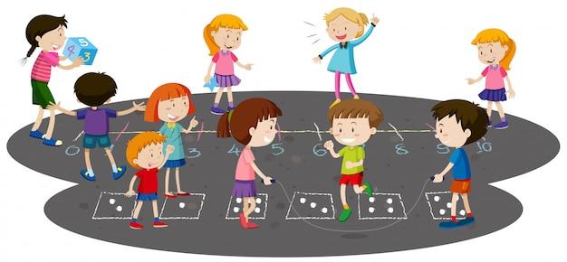 Enfants jouant ensemble à l'extérieur