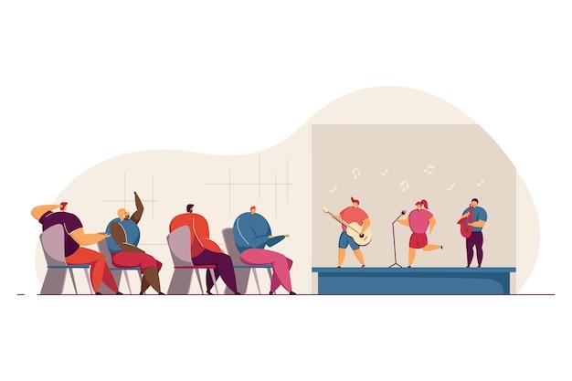 Enfants jouant des instruments de musique et chantant sur scène. parents acclamant pour les enfants illustration vectorielle plane. école de musique, festival, concept de concert pour bannière, conception de site web ou page web de destination