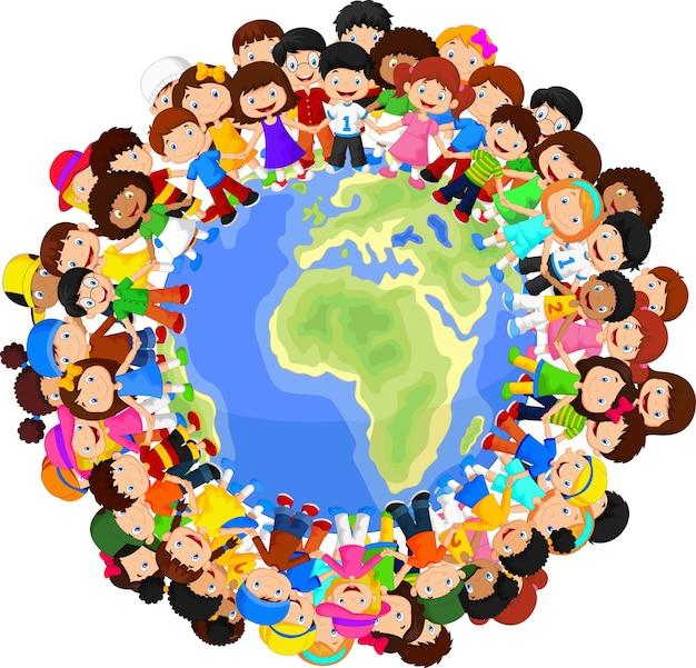Enfants multiculturels sur la planète terre