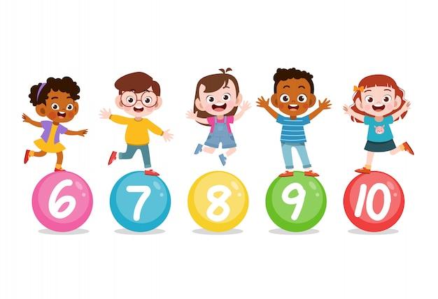 Enfants avec numéro mignon 123