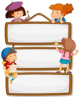 Enfants sur un panneau vide