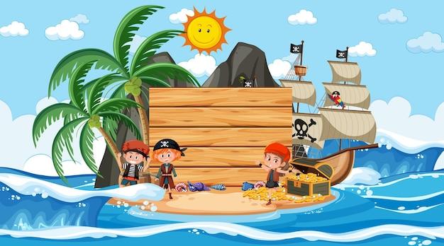 Enfants pirates sur la scène diurne de la plage avec un modèle de bannière vide