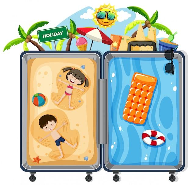 Enfants sur la valise de vacances d'été