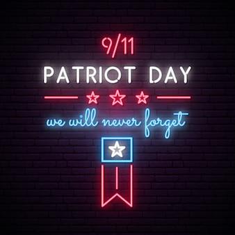 Enseigne au néon de american patriot day.