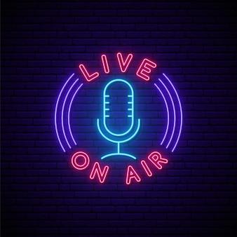 Enseigne au néon podcast.