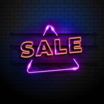 Enseigne de vente au néon