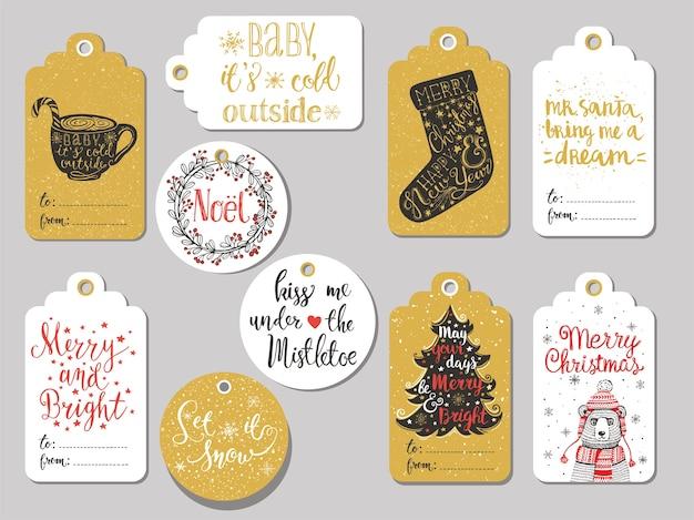 Ensemble de 10 étiquettes-cadeaux créatives de noël dessinés à la main. tasse de chocolat chaud, chaussette de noël