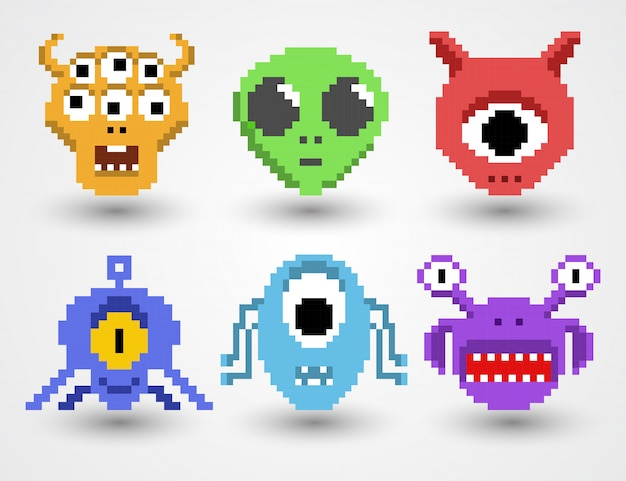 Ensemble d'aliens pixel art