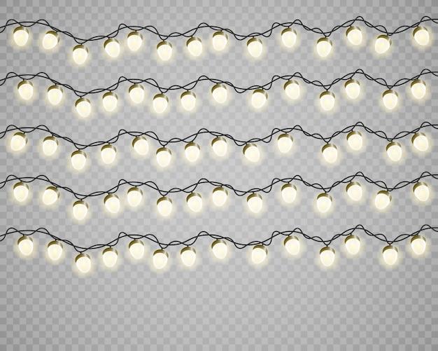 Ensemble d'ampoules incandescentes dorées sur les fils