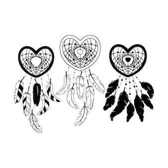 Ensemble d'attrape-rêves en forme de coeur dessiné à la main