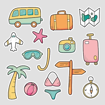 Ensemble d'autocollants dessinés à la main d'éléments de vacances d'été de voyage