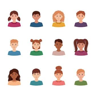 Ensemble d'avatars d'enfants. collection de portraits de garçons et de filles avec différentes couleurs de peau, illustration vectorielle