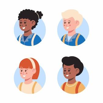 Ensemble d'avatars d'enfants retour à l'école ensemble de visages souriants de garçons et de filles