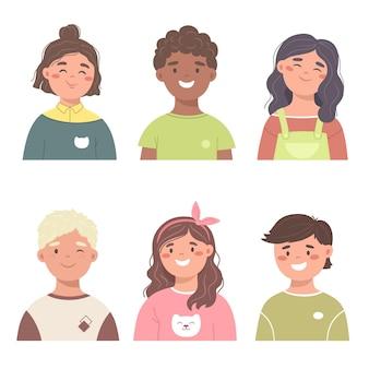 Ensemble d'avatars pour enfants garçons et filles souriants avec différentes coiffures et ethnies