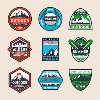 Ensemble de badge isolé vintage d'expédition en plein air