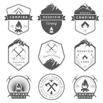Ensemble de badges camping et randonnée