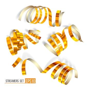 Ensemble de banderoles d'or sur blanc. rubans bouclés dorés, décoration de célébration, éléments de fête serpentine pour votre anniversaire de conception de vacances, carnaval festif ou voeux de fête. illustration vectorielle eps10.