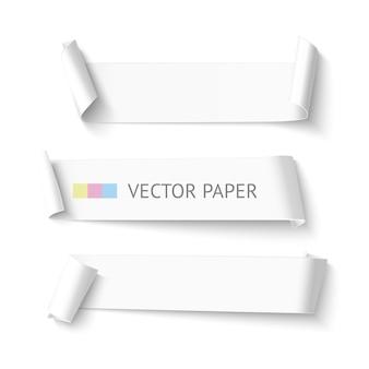 Ensemble de bannière de ruban de papier incurvé blanc blanc horizontal. papier courbé modèle réaliste isolé sur fond blanc
