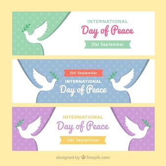 Ensemble de bannières de la colombe de la journée de la paix