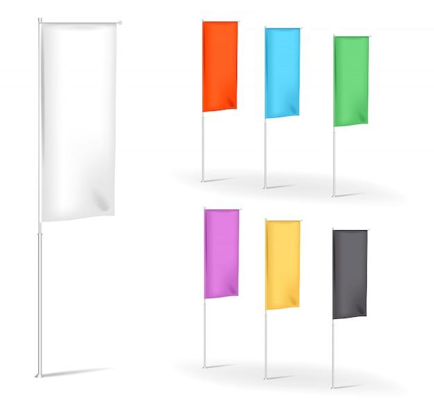 Ensemble de bannières publicitaires de drapeaux vierges avec plis multicolores, modèles d'illustration