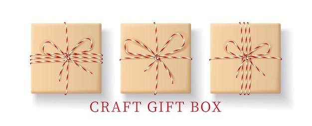 Ensemble de boîte-cadeau réaliste en papier kraft.