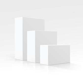 Ensemble de boîtes en carton blanc vierge de différentes tailles