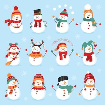 Ensemble de bonhomme de neige de vacances d'hiver. joyeux bonhommes de neige en costumes différents. chef de bonhomme de neige, magicien, bonhomme de neige avec des bonbons et des cadeaux.